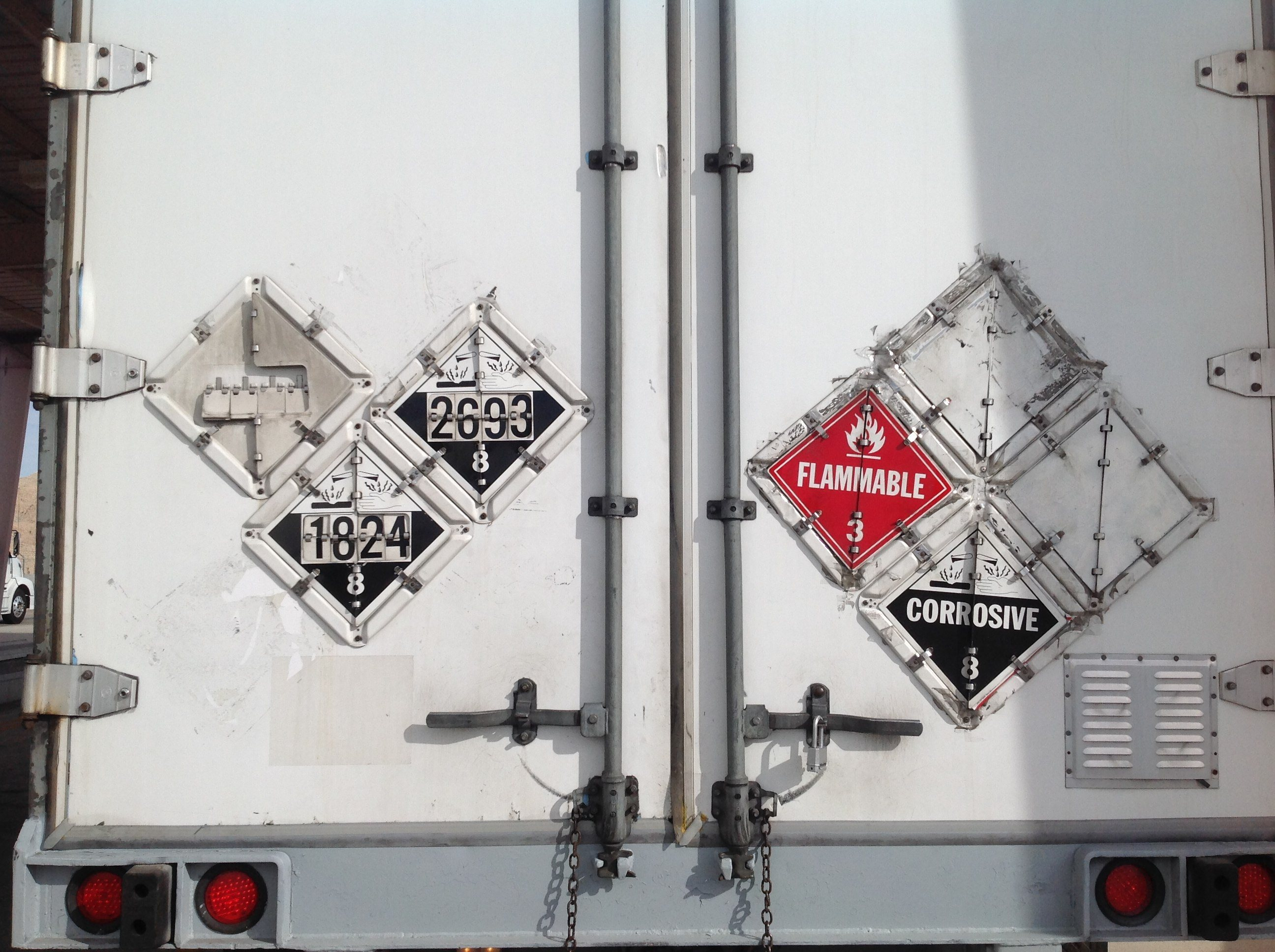 dot placards on truck